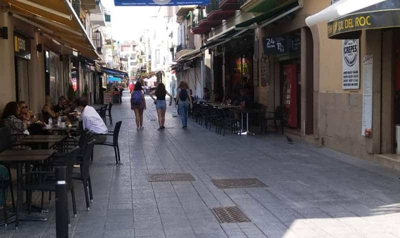Sitges street. Rental apartment Sitges, holliday and temporary